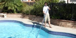 3 mosse vincenti per pulire la tua piscina!